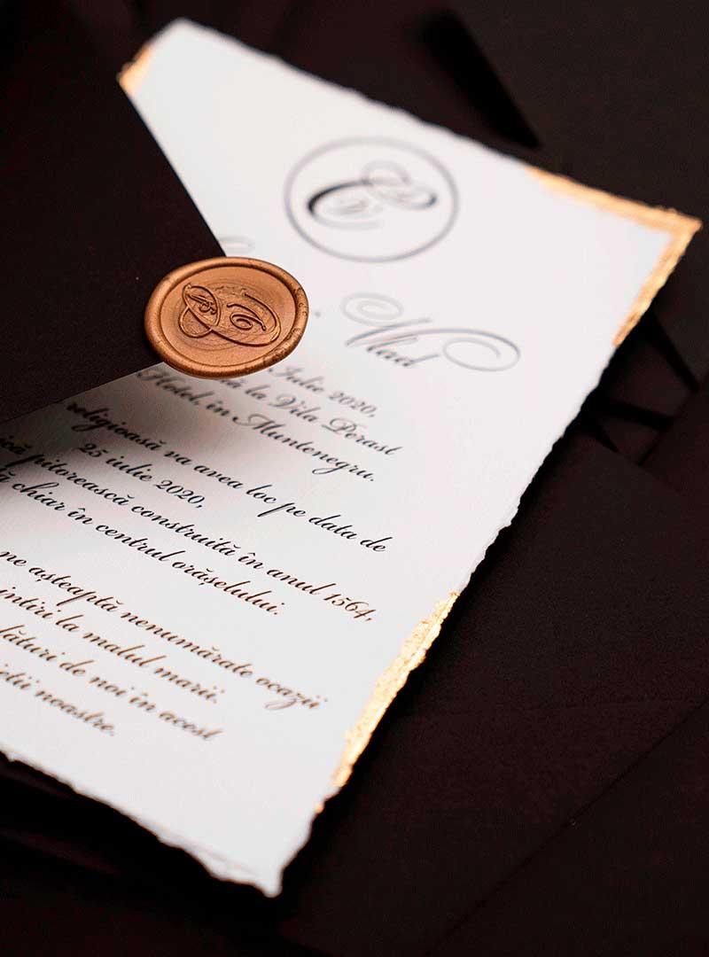 invitatii de nunta custom cu foita aurie