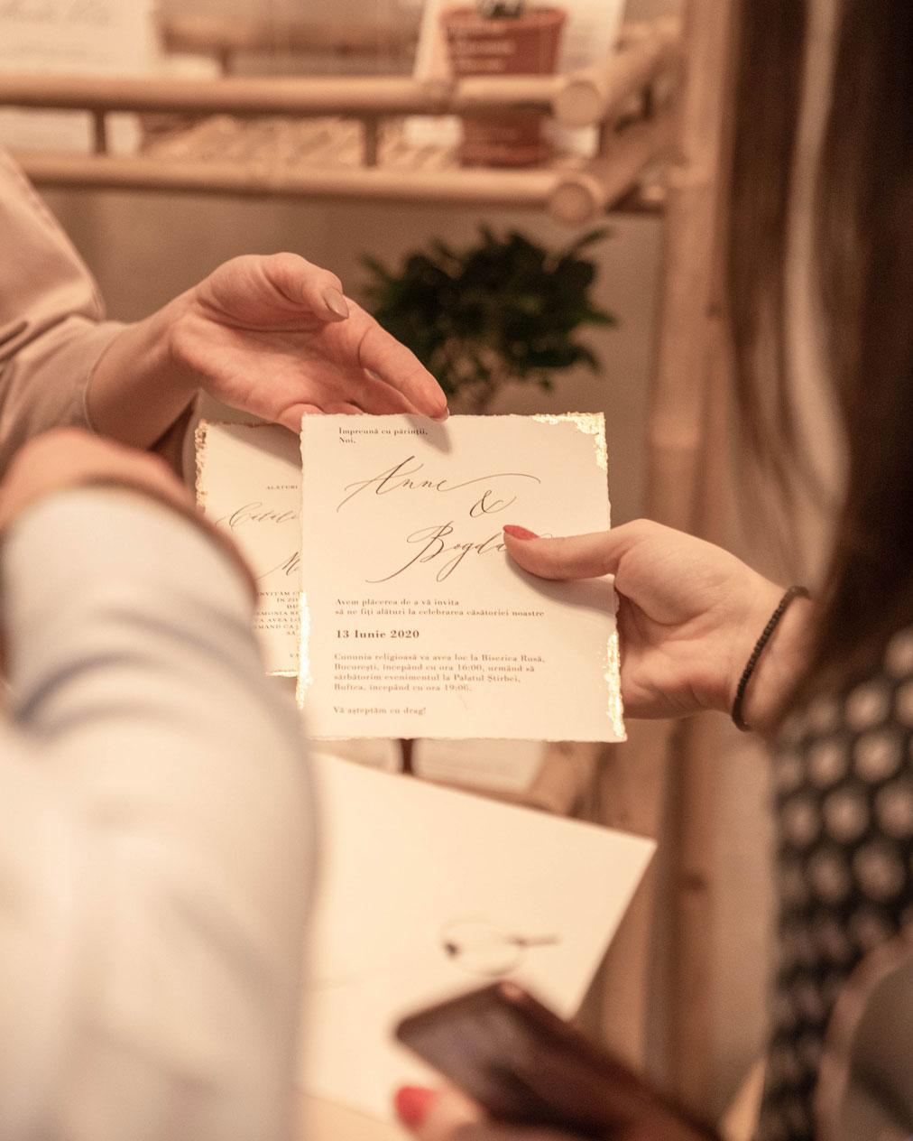 invitatii nunta personalizate, prezentate clientilor